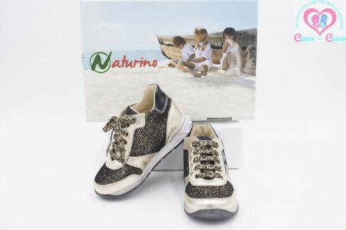 Детски обувки за момиче NATURINO в златисто черен цвят