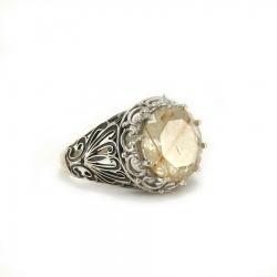 Сребърен пръстен с рутилов кварц.