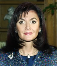 """Камелия Касабова лично ще връчи наградата """"Моден Меркурий 2005"""""""