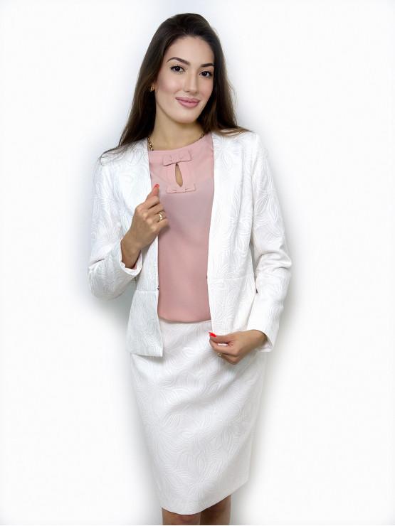 Бял дамски костюм с пола