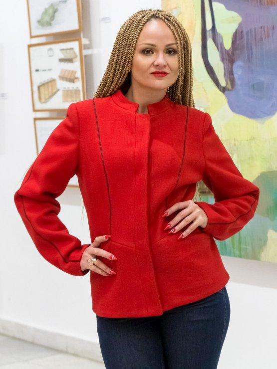 Червено вълнено сако