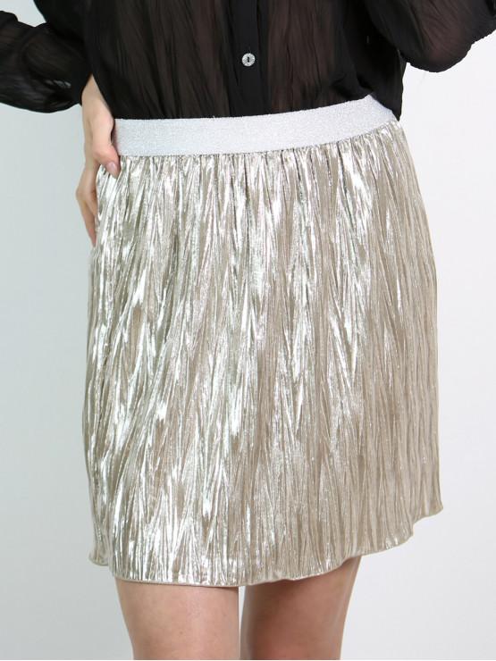 Къса пола от ефектен плисиран лъскав плат - цвят шампанско