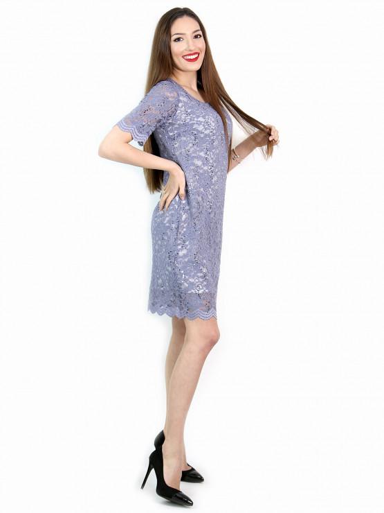 Дамска рокля от ефектна дантела в светло лилаво