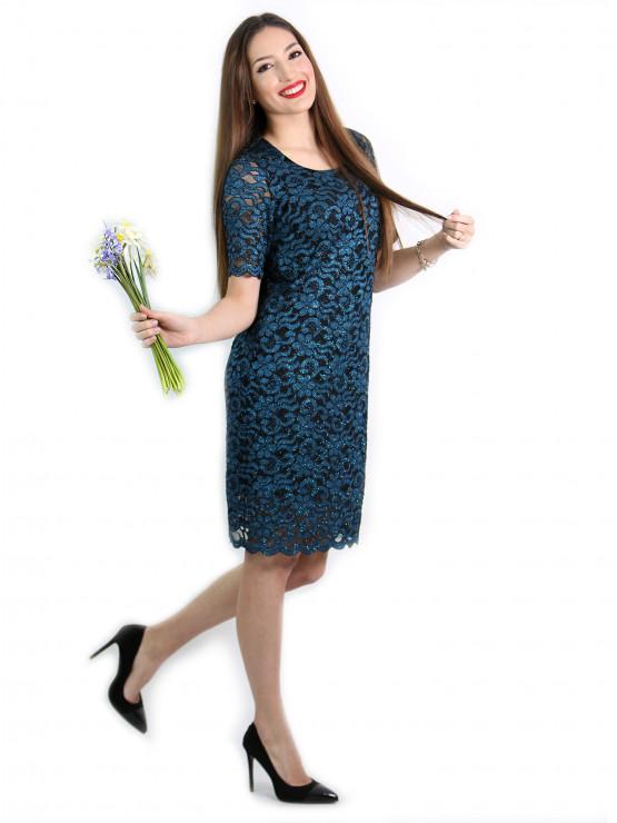 Дамска рокля от ефектна дантела в синьо